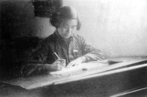 一九五六年,中学时代的陈亚珠院士.jpg