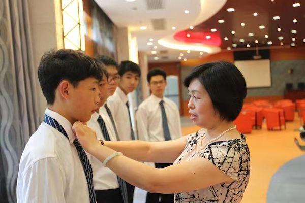 教会学生自律从个人仪容仪表开始.jpg