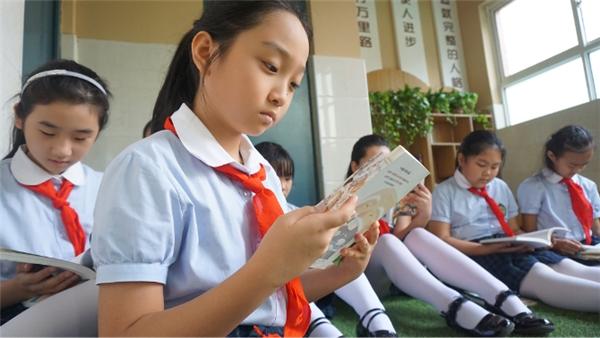"""学生们参加""""班班有读""""公益阅读活动。 受访者供图"""