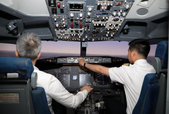 上海工程技术大学:自主研发飞行模拟机助力飞行人才培养